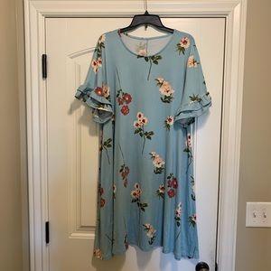 Dresses & Skirts - Beautiful floral print ruffle sleeve dress